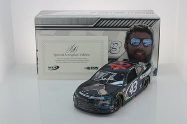 "Darrell ""Bubba"" Wallace Autographed 2020 #BLACKLIVESMATTER 1:24 Nascar Diecast Darrell ""Bubba"" Wallace Nascar Diecast,2020 Nascar Diecast,1:24 Scale Diecast,pre order diecast"
